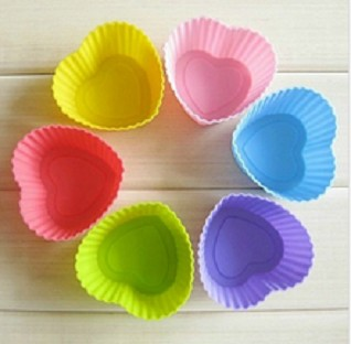 6 Heart Silicone Cupcake Liners molds